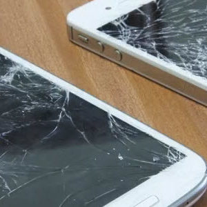 iPhone 4S vs Galaxy S3 : le crash test comparatif [video]
