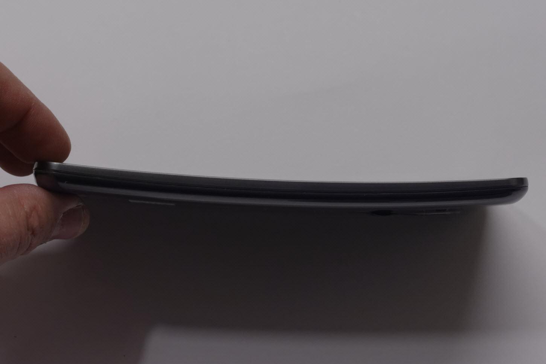 LG G Flex, une première prise en main