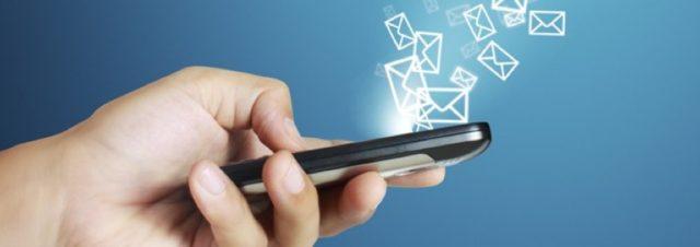 L'envoi de SMS pour le Nouvel An en baisse pour la 1ère fois en France