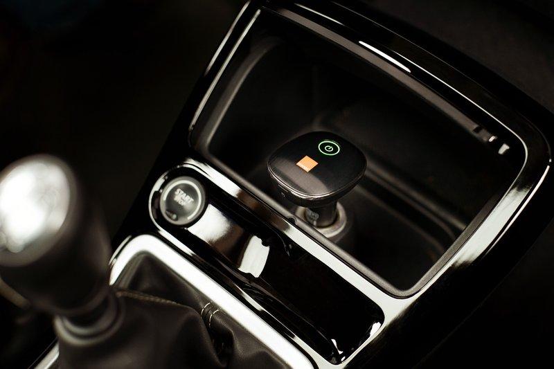 Orange lance l'AirBox Auto, un point d'accès mobile dans la voiture