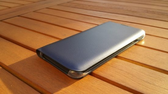 Samsung Flip Wallet :  l'étui officiel du Galaxy S6 Edge [Test]