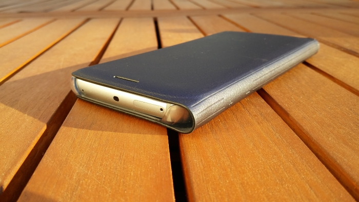 Samsung flip wallet l 39 tui officiel du galaxy s6 edge for Cuisine qui se ferme