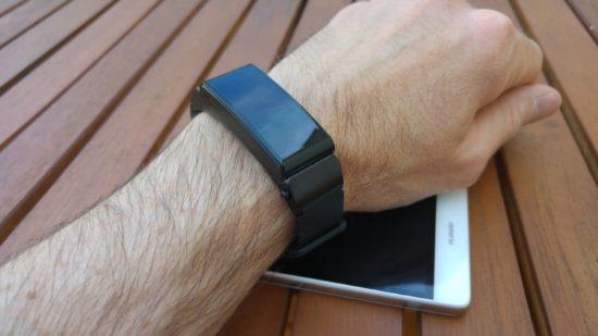 Huawei Smartband Talk B2 : un produit 2 en 1, bracelet connecté et oreillette bluetooth [Test]