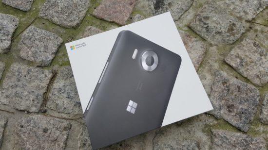 160304_Microsoft_Lumia_950_04