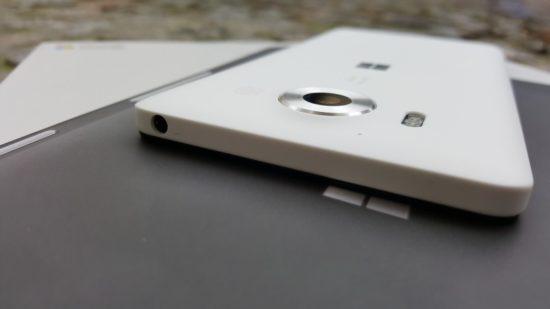 160304_Microsoft_Lumia_950_07
