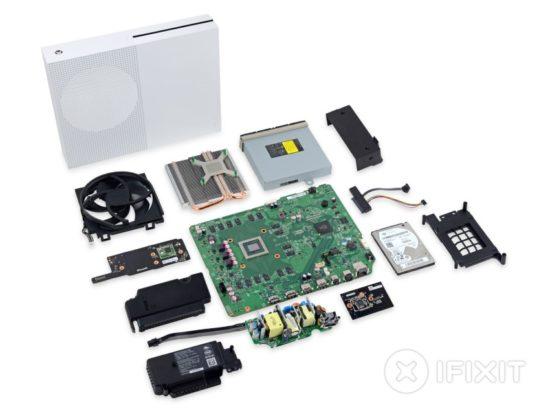 La Microsoft Xbox One S reçoit la note de 8/10 par iFixit