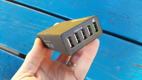 Chargeur USB Badalink : un chargeur compatible Quick Charge 3.0 [Test]