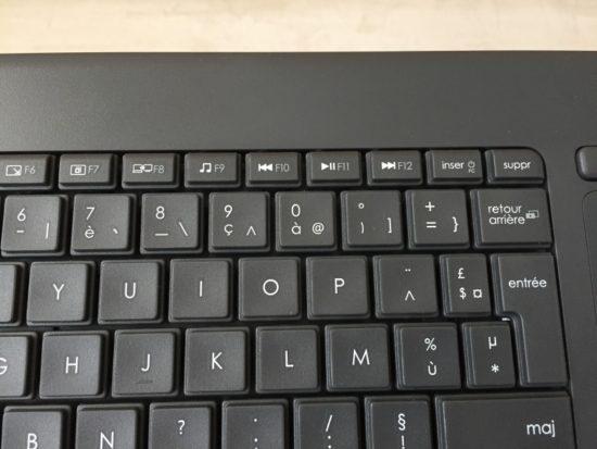 Logitech K400 Plus : un clavier sans fil équipé d'un pavé tactile [Test]