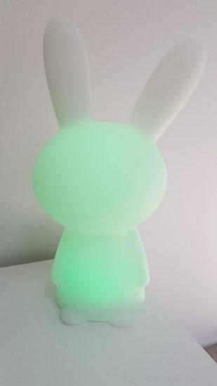 Lapin Lumin'us : une enceinte sans fil lumineuse pour égayer vos journées et vos soirées [Test]