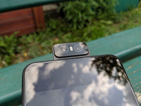 Asus Zenfone 6 : un smartphone équipé d'un capteur photo rotatif [Test]